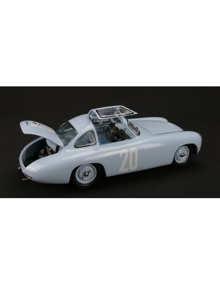 Macheta 1:18 Mercedes-Benz 300 SL blue