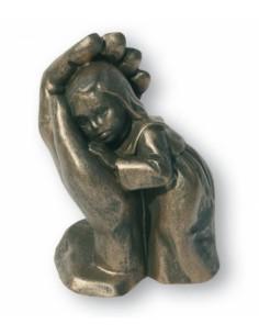 "Statueta piatra ""Fetita ocrotita"""